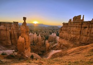 8-Day Zion National Park, Horseshoe Bend, Grand Canyon West and Bryce Canyon Tour
