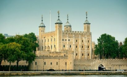 8-Hour Tower of London Tour, London Sightseeing plus English Tea at Westminster Abbey