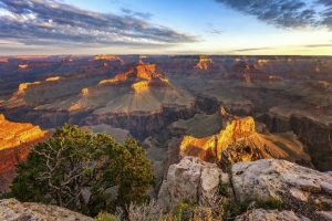 5-Day Grand Canyon, Antelope Canyon, Las Vegas Bus Tour: Los Angeles, Hoover Dam and California Theme Parks