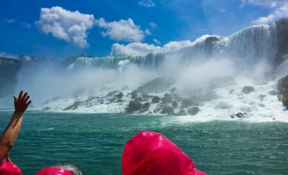 Small-Group Niagara Falls Tour from Toronto with Hornblower Cruise, Lunch