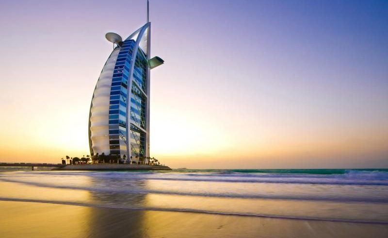 Dubai Combo Tour: Dubai and Abu Dhabi City Tour and 4X4 Desert Safari with BBQ Dinner
