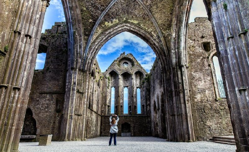 Cork and Blarney Castle Day Tour from Dublin with Rock of Cashel