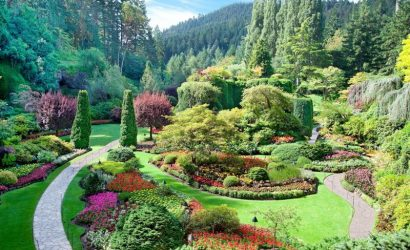 Private Victoria and Butchart Gardens Tour with Seaplane Flight