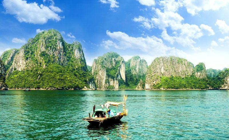 4-Day Hanoi Tour W/ Halong Bay Cruise