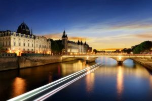 Seine River Cruise and Paris Night Tour