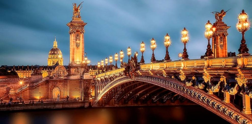 58 Tour Eiffel Dinner, Seine River Cruise and Moulin Rouge Tickets
