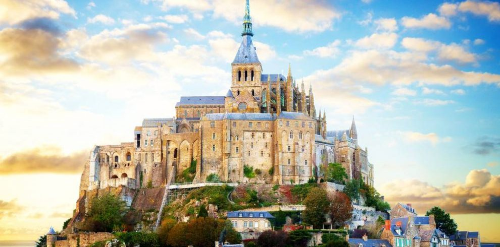 Mont Saint-Michel Day Trip from Paris with Hotel Transfers