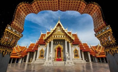 Enchanting Bangkok City Tour: Golden Buddha, Marble Temple and Gems Gallery
