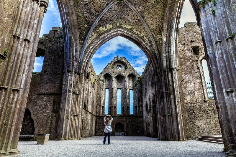 Cork and Blarney Castle Day Tour from Dublin w/ Rock of Cashel