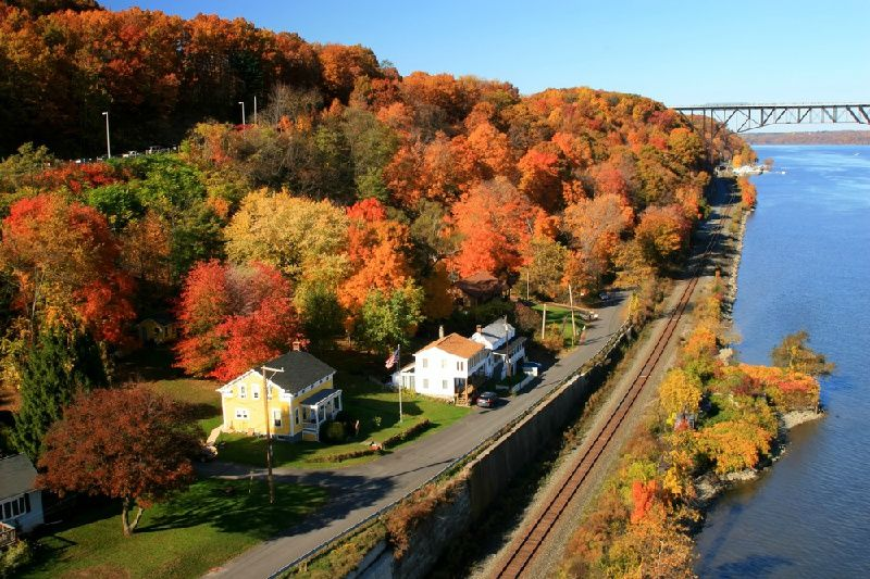30-Minute Hudson Valley Fall Foliage Helicopter Tour‰ÛÜ From Westchester, NY