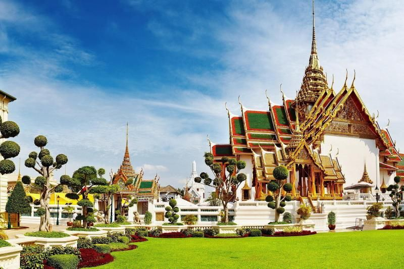 Day Tour to Bangkok Grand Palace, Emerald Buddha & Gems Gallery